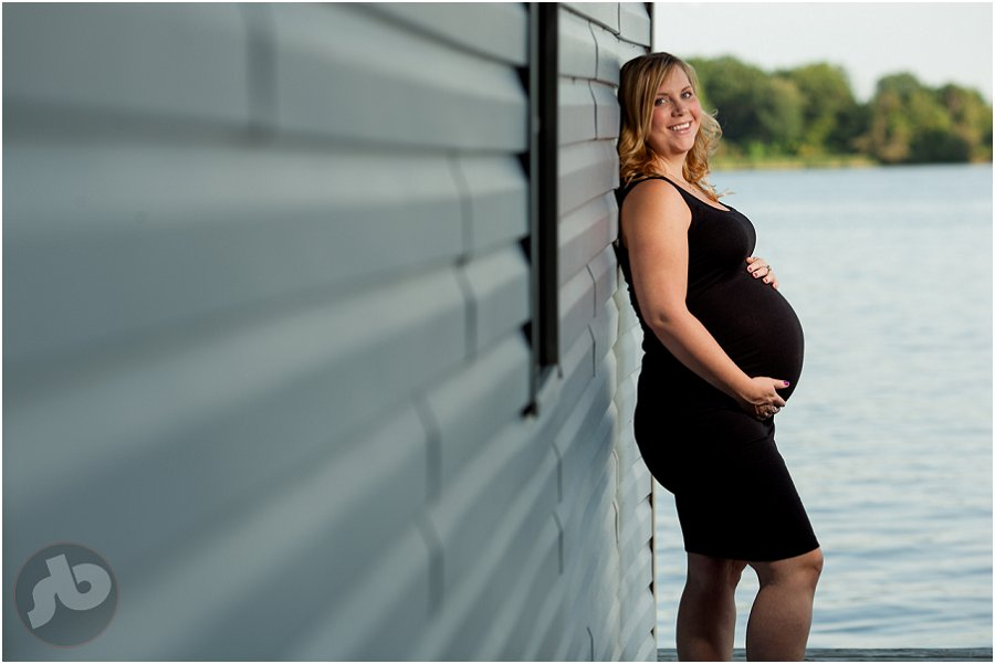 Kingston Maternity Photography - Liza and Jesse