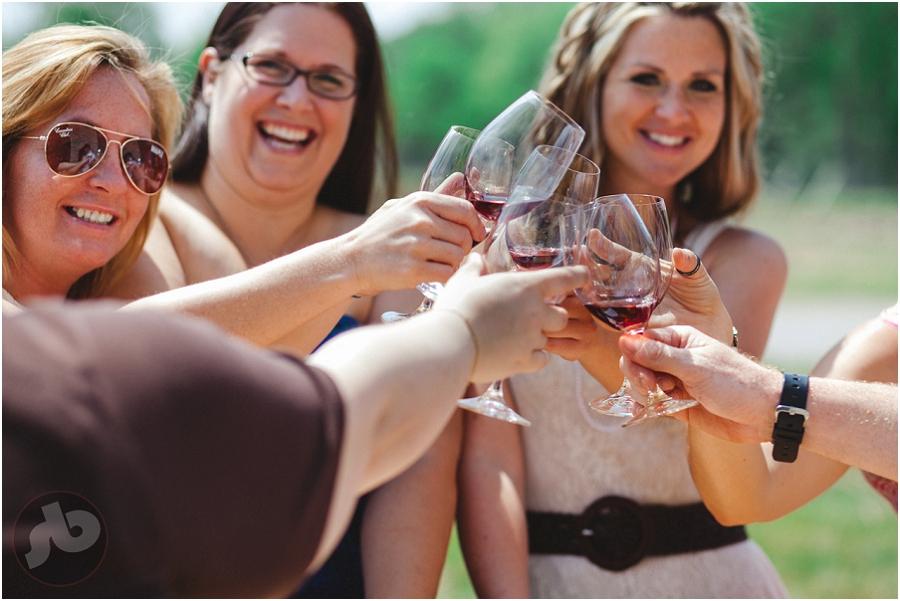 picton wedding photography jenna and ryan vineyard tour