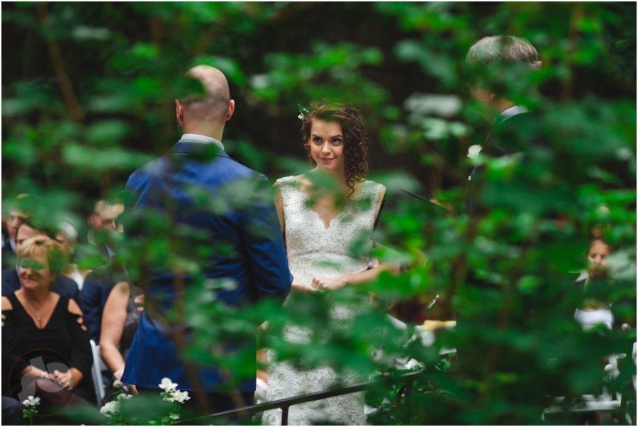 kingston wedding photographer - backyard wedding
