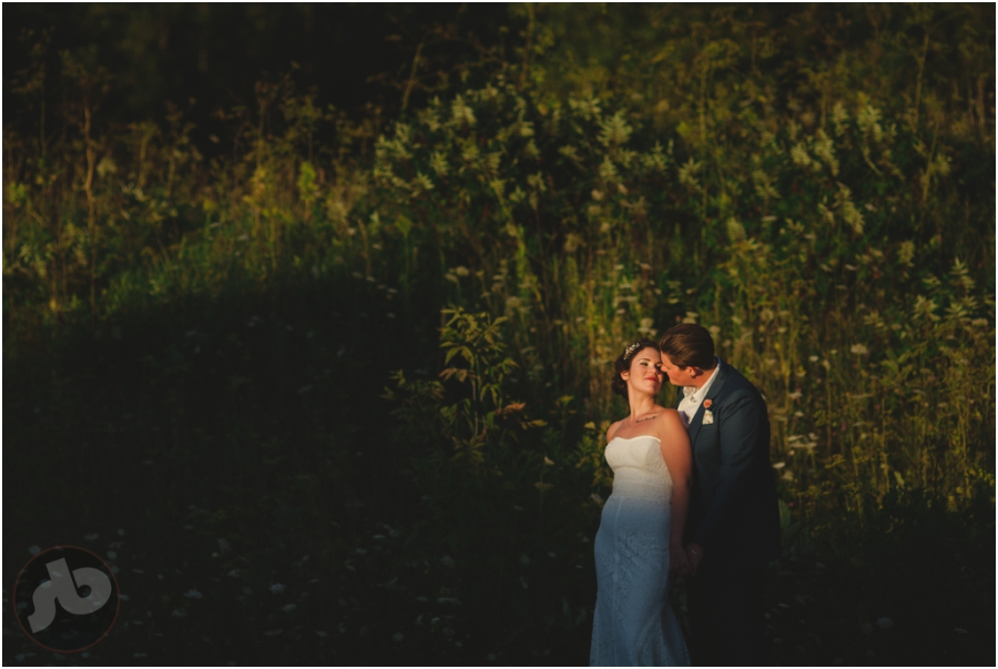 napanee wedding photographer - doghouse studios wedding