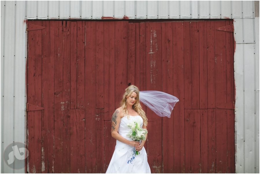 ottawa wedding photographer, farm wedding, beau's brewery wedding, kingston wedding photographer