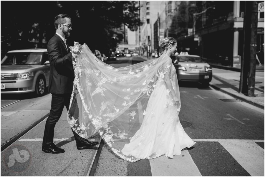 Toronto Wedding Photographer - Le Select Bistro