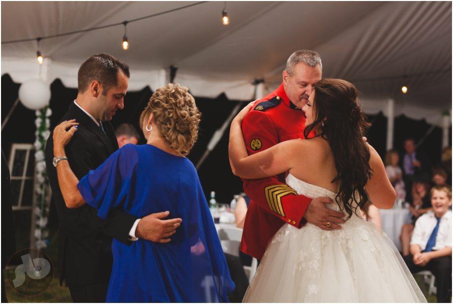 kingston wedding photographer, back yard wedding, kingston wedding photography