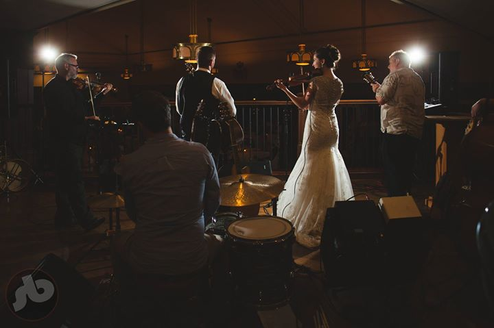 when the couple decides to sit in with the band and play a couple of tunes...  (...