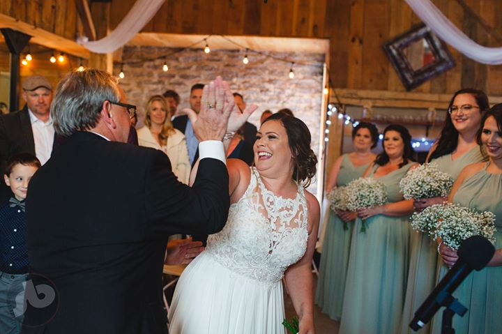 sometimes you just have to high five your dad at the end of the aisle... Tara's ...
